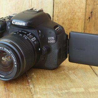 Jual Kamera Dslr Canon Eos 600d Bekas Laroskamera Com Jual Beli